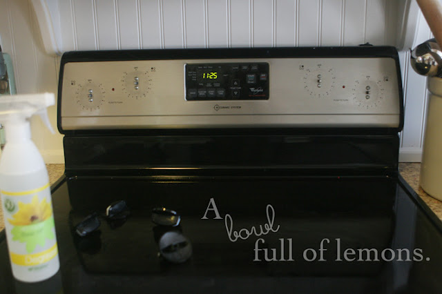 how to clean oven naturally